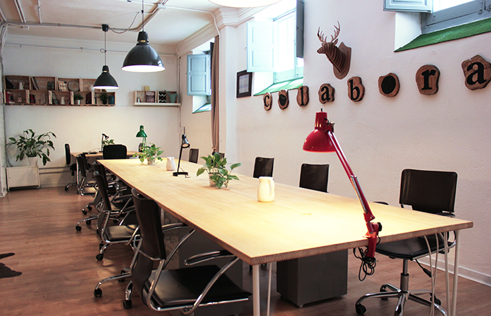 Colabora coworking coworking en madrid for Oficinas coworking madrid