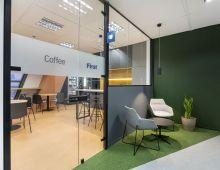 Centro de negocios con coworking Madrid Plaza de Castilla First Workplaces