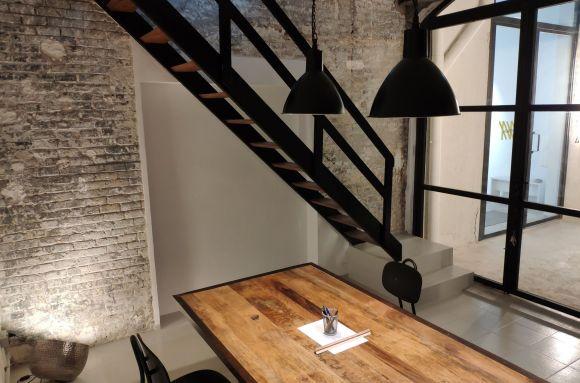 Oficina compartida Barcelona ESTUDIO COMPARTIDO con estilo industrial