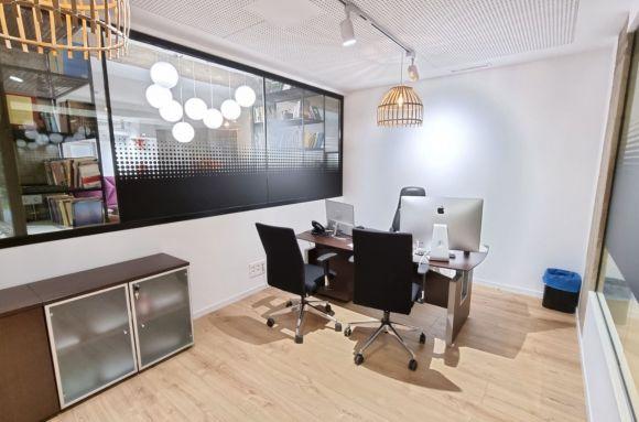 Oficina compartida Barcelona Despacho independiente 4/5 pax Pl. Hosca