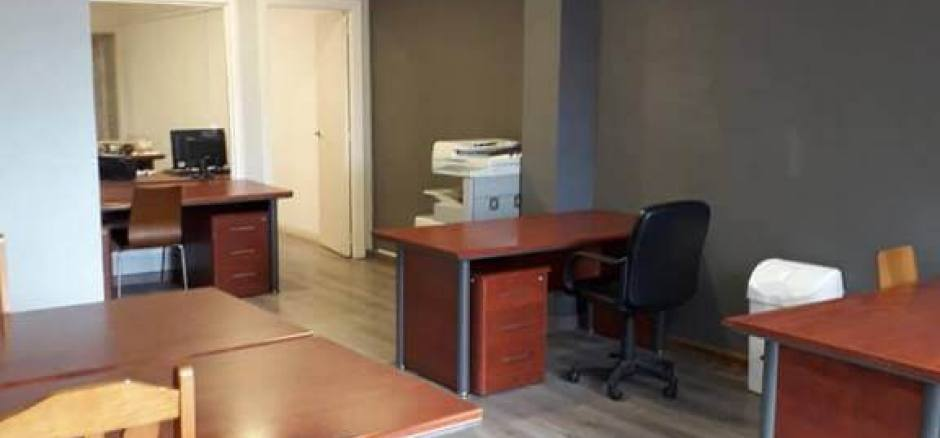 Oficina compartida Barcelona Oficina amplia, mucha luz natural