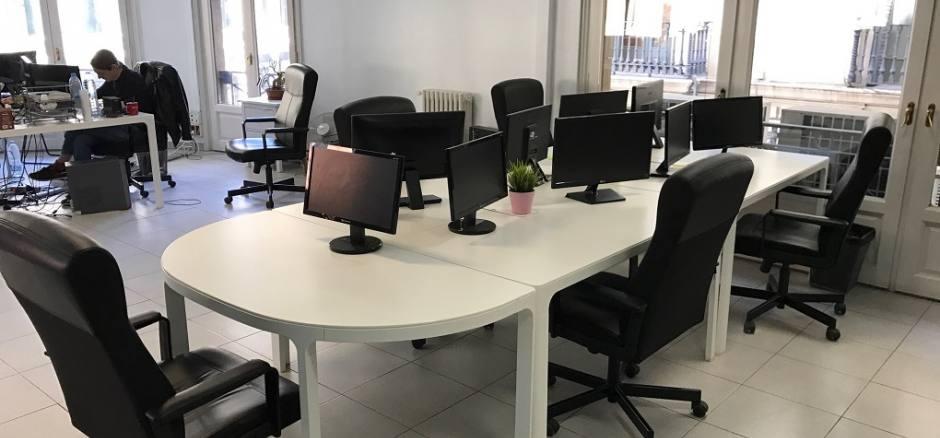 Oficina compartida Barcelona Oficina con luz y start up