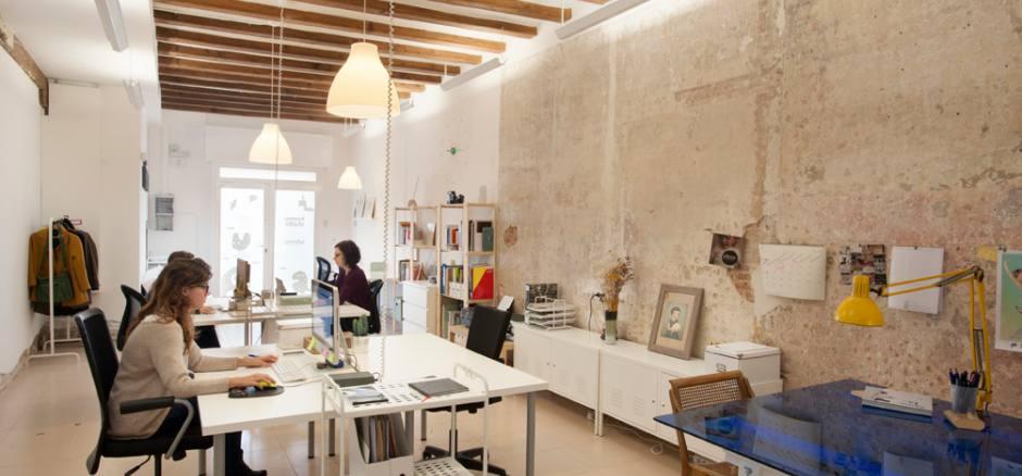 Coworking badajoz 19 poblenou oficina compartida en for Oficina compartida barcelona
